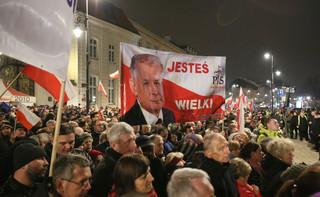 Zakazy zgromadzeń w rocznicę katastrofy smoleńskiej. Karczewski: Chcemy uniknąć konfrontacji