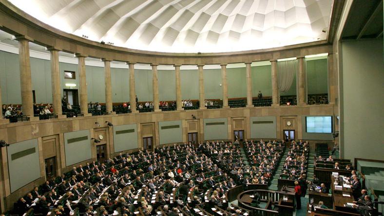Sejm wzywa prezydenta: Podpisz traktat!