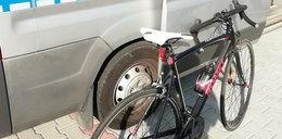 Tragiczny wypadek w Krośnie. Rowerzysta zderzył się z autobusem