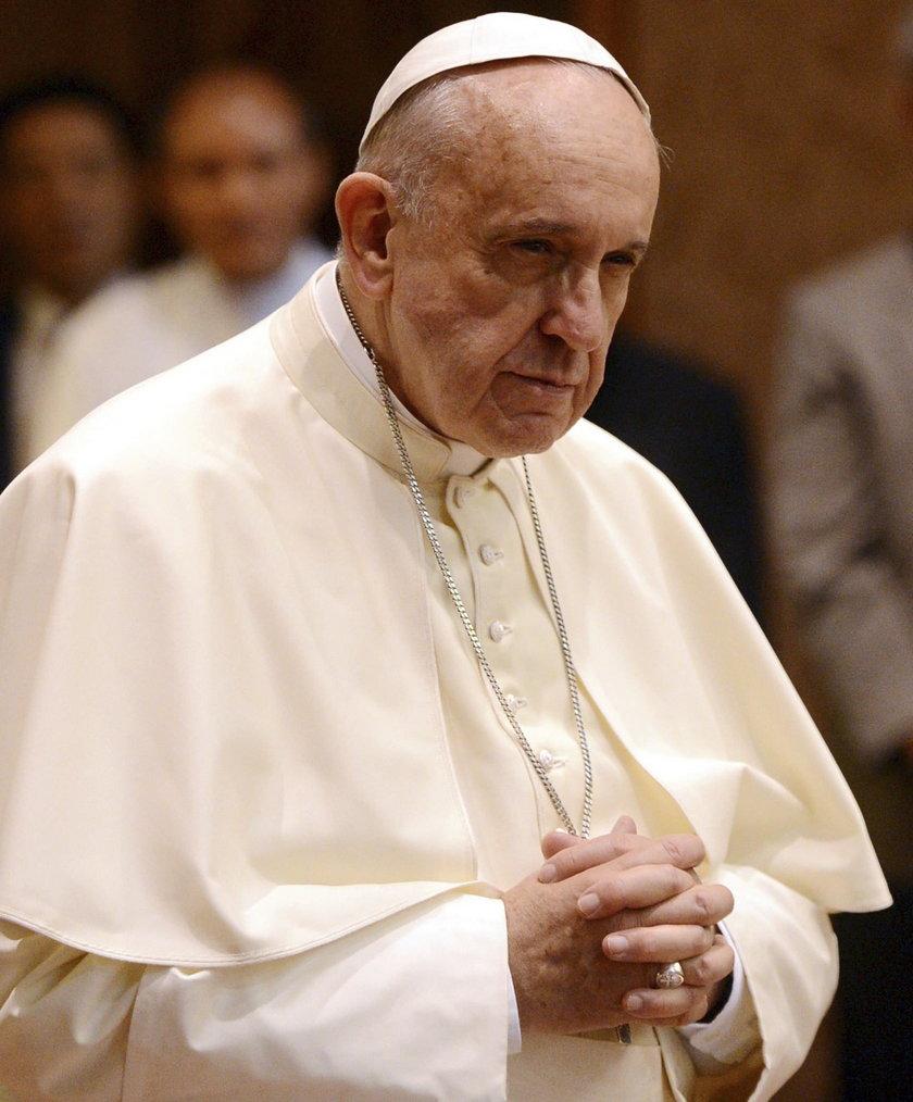 Papież stracił bliskich w wypadku