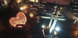 Polacy oddają hołd tragicznie zmarłemu prezydentowi. Poruszające zdjęcia