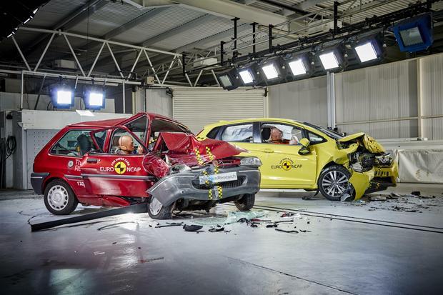 Testy zderzeniowe EuroNCAP - Rover 100 i Honda Jazz