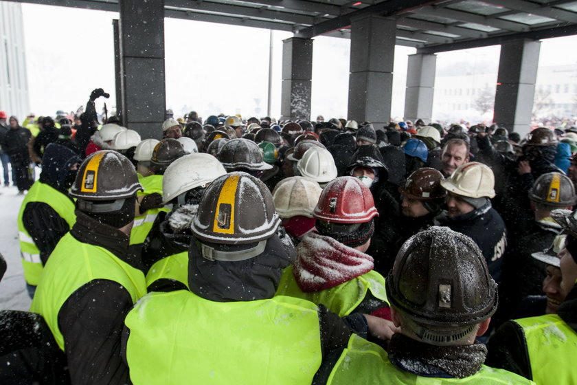 Górnicy dopytują o pieniądze