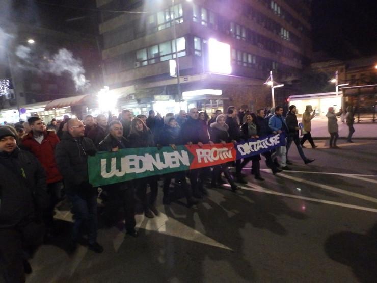 Održana protestna šetnja opozicije u Kruševcu sa nazivom Ujedinjeni protiv diktature Aleksandra Vučića