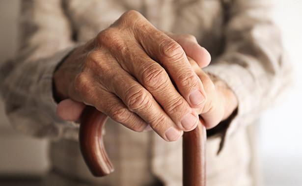 Obowiązek powiadomienia ZUS o przychodzie osiągniętym w 2019 r. nie dotyczy emerytów, którzy w całym poprzednim roku mogli dorabiać bez ograniczeń ze względu na ukończenie powszechnego wieku emerytalnego.