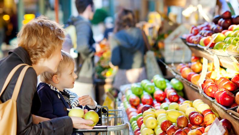 Na co zwracać uwagę, wybierając owoce?