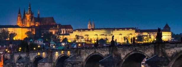 4. miejsce: Zamek na Hradczanach, to zamek w Pradze w dzielnicy Hradczany istniejący już od najstarszych dziejów Pragi, dawna siedziba królów czeskich.