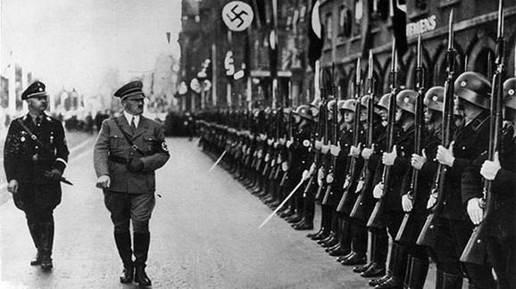 Svi nemački dezerteri su bili pod jakim uticajem Hitlerove ideologije i nacističke mitomanije. Svi osim jednog čoveka