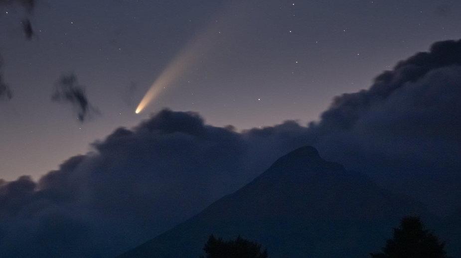 Kometa NEOWISE nad Tatrami