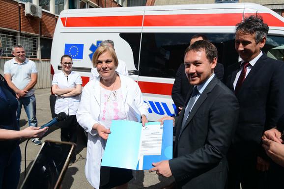 Sredstvima EU kupljeno ambulantno vozilo za Hitnu pomoć Doma zdravlja