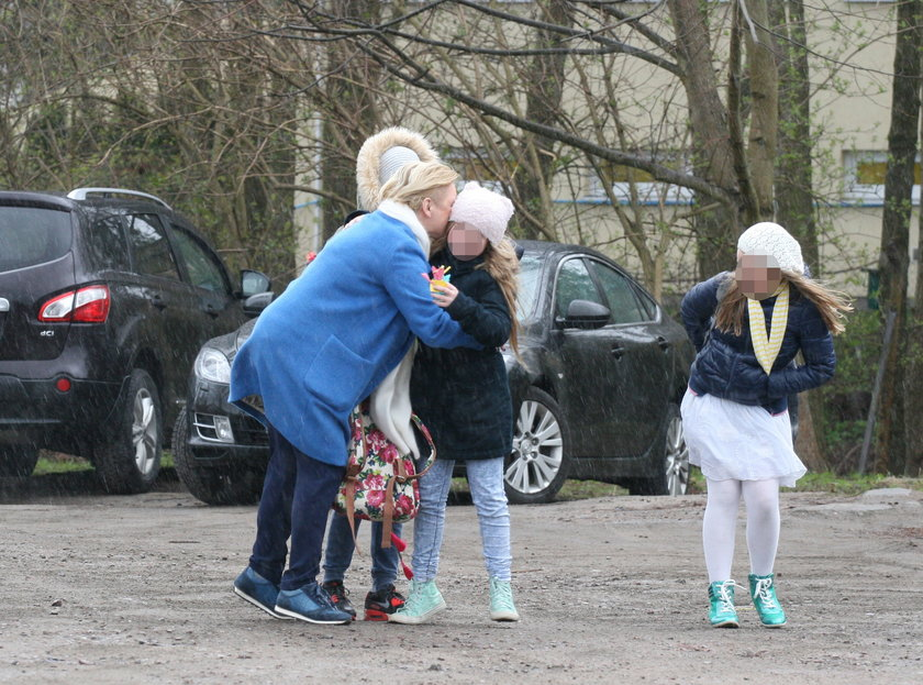 Katarzyna Figura z córkami