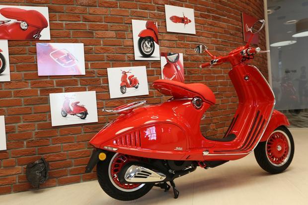 Nowa Vespa 946 w specyfikacji RED