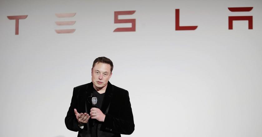 Elon Musk, prezes Tesli, mówił o ciężarówkach firmy podczas spotkania z udziałowcami