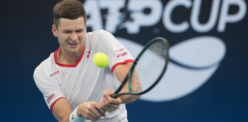 Hurkacz pomoże Janowiczowi. Gwiazdy tenisa wesprą słabszych