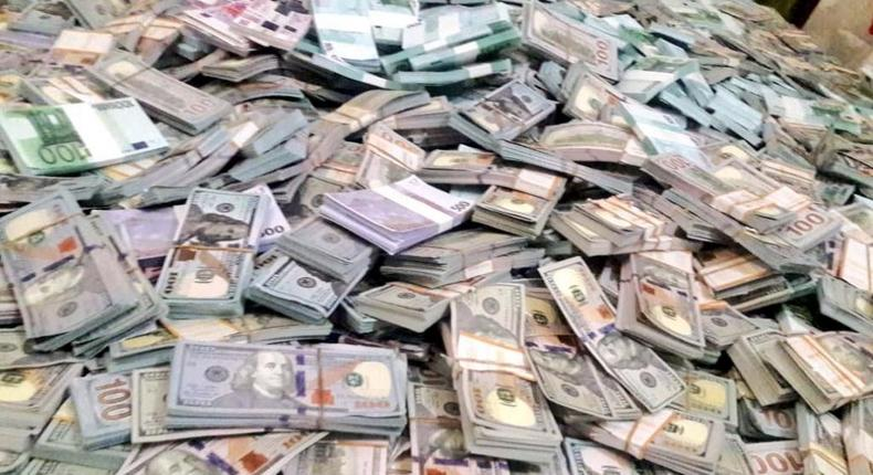 Police bust fake foreign currency worth