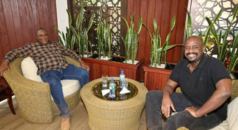 President Uhuru Kenyatta hangs out with Uganda's Commander of Land Forces (CLF), Lieutenant General, Muhoozi Kainerugaba who is also President Yoweri Museveni's son