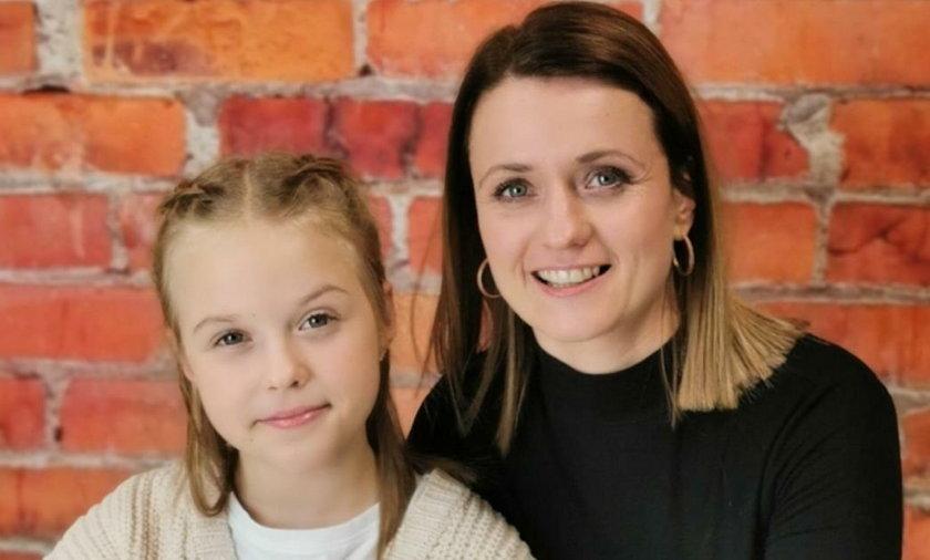 Alicja Tracz z mamą Anną