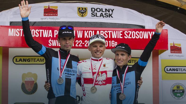 Marek Rutkiewicz (L), Rafał Majka i Sylwester Janiszewski
