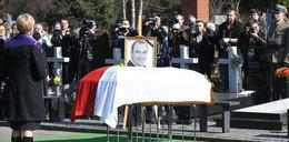 Drugi pogrzeb Gosiewskiego. Kaczyński pocieszał wdowę