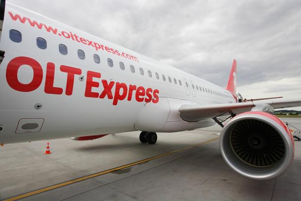 Jeżeli przewoźnik nie poinformował pasażera na 14 dni przed planowanym rejsem o tym, że odwołuje rejs, to takiej osobie należy się odszkodowanie w wysokości 250 euro.