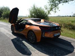 BMW i8 Roadster – samochód na pokaz | TEST