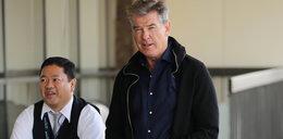 Bond zatrzymany na lotnisku. Co miał w bagażu?