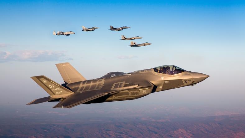 Pentagon oświadczył, że konfrontacja samolotów nie była bezpieczna