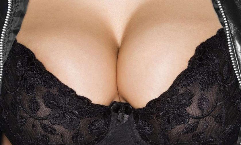 Zobacz, co kobieta przemycała w piersiach!