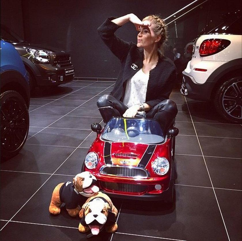 Zosia Ślotała reklamuje samochody dla dzieci