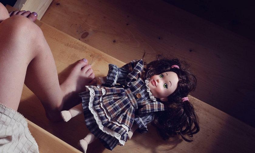 Dramat w rodzinie. 16-latek molestował młodszą siostrę