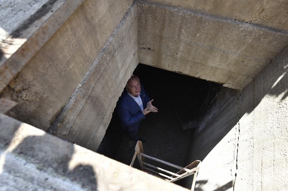 Zamenik gradonačelnika spuštao se i u šahtove da bi dokumentovao svoje tvrdnje