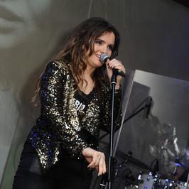 Błyszcząca Maria Niklińska na koncercie promocyjnym