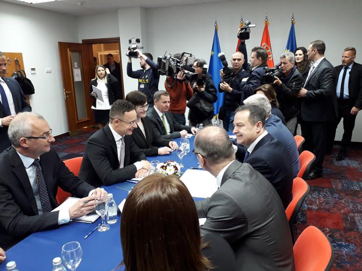 zajednička sednica vlade srbije i mađarske