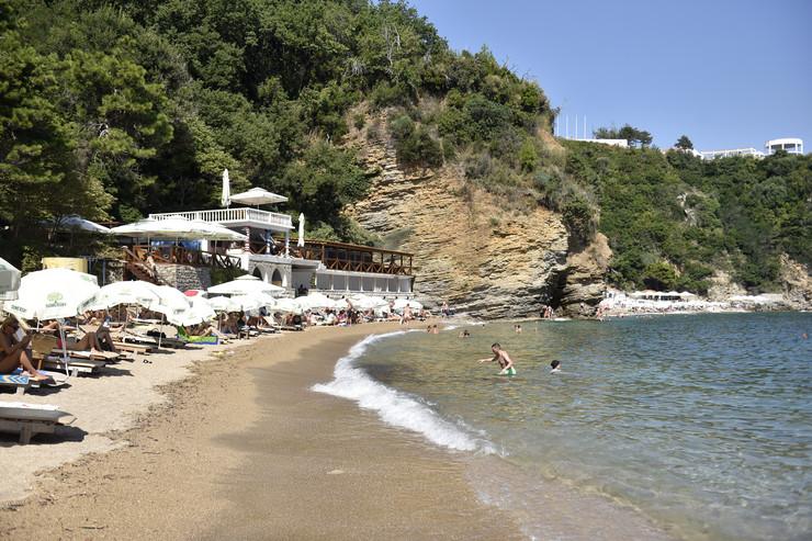 Crna Gora letovanje plaža primorje korona pokrivalica