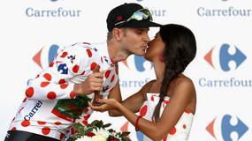 Pocałunki od hostess dla sportowców zbyt seksistowskie?