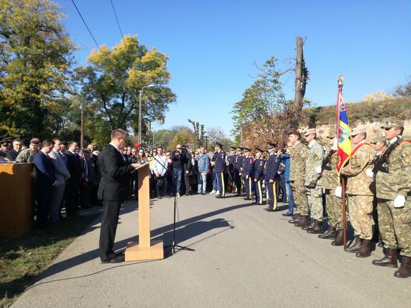 Svetozar Aleksov je prvi predstavnik Srbije koji je govorio pred novootvorenog spomen obeležja