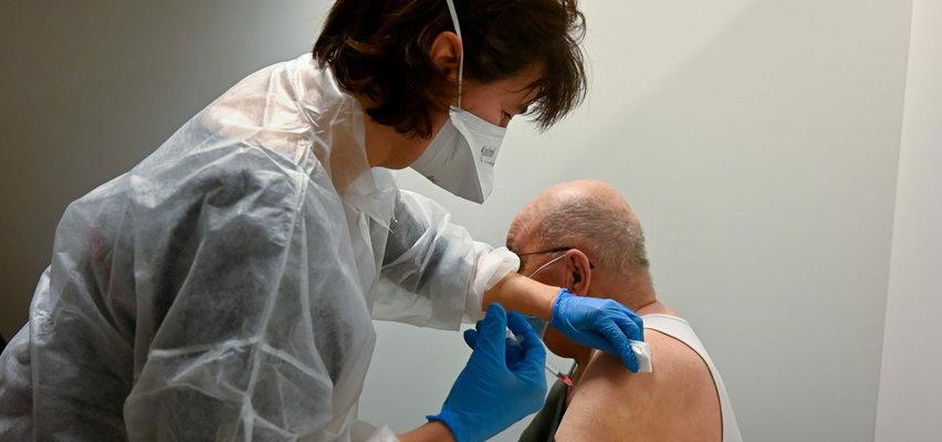 Szczepienia przeciwko COVID-19 w mazowieckich parafiach. Będzie można zaszczepić się zaraz po mszy