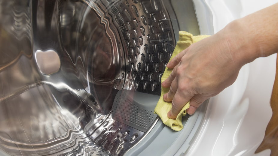 Pralkę można wyczyścić bez użycia silnych detergentów - denklim/stock.adobe.com