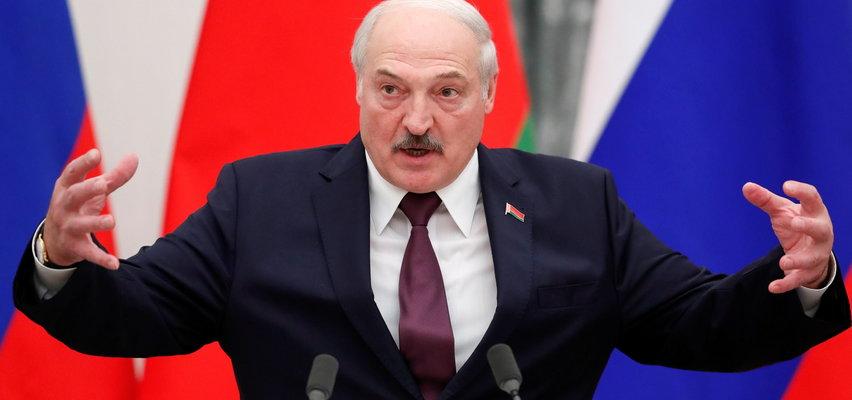 Łukaszenka ściągnął na granicę snajperów. Gen. Skrzypczak mówi o wielkim niebezpieczeństwie. Sądzi, że odcięcie mediów od informacji z pogranicza mogło być akcją agenta
