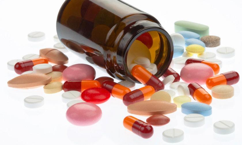 Skandal z darmowymi lekami dla seniorów