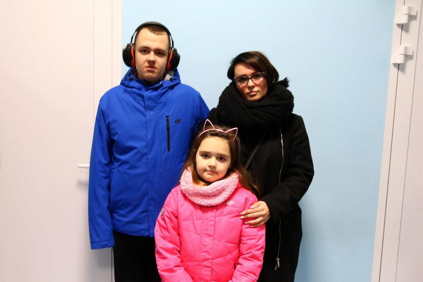 Magdalena Kiedrowska (31 l.), mama dwójki dzieci chodzących do szkoły w Kamnicy, Kacpra (13 l.) i Julii (7 l.)