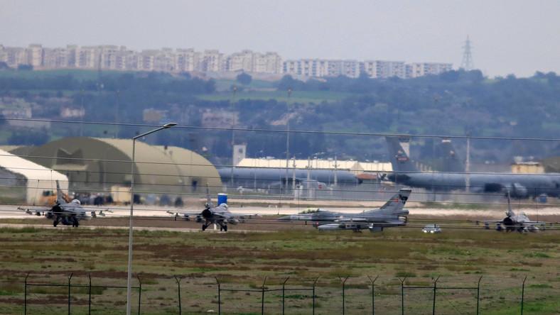 Tureckie samoloty w bazie Incirlik