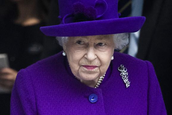 "MEGAN MARKL ODBRUSILA KRALJICI ELIZABETI Posle zabrane korišćenja ""kraljevskog brenda"", usledio HAOS - nije mogla da prećuti"