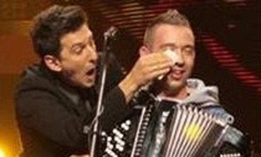 Co Maciek Rock robił na scenie podczas koncertu Enej w Sopocie
