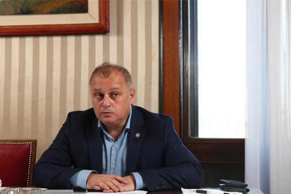 Goran Vesić: Nelegalnom gradnjom kradu od države i drugih građana