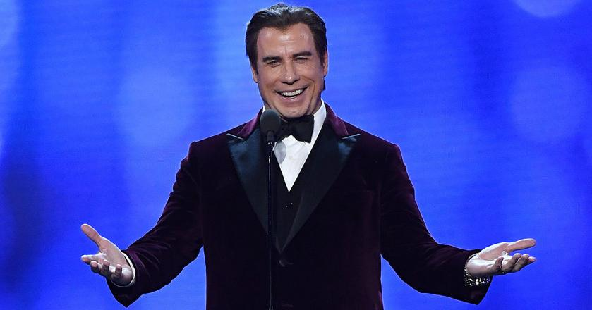 """John Travolta ma się dobrze, Siri """"myśli"""" jednak inaczej"""