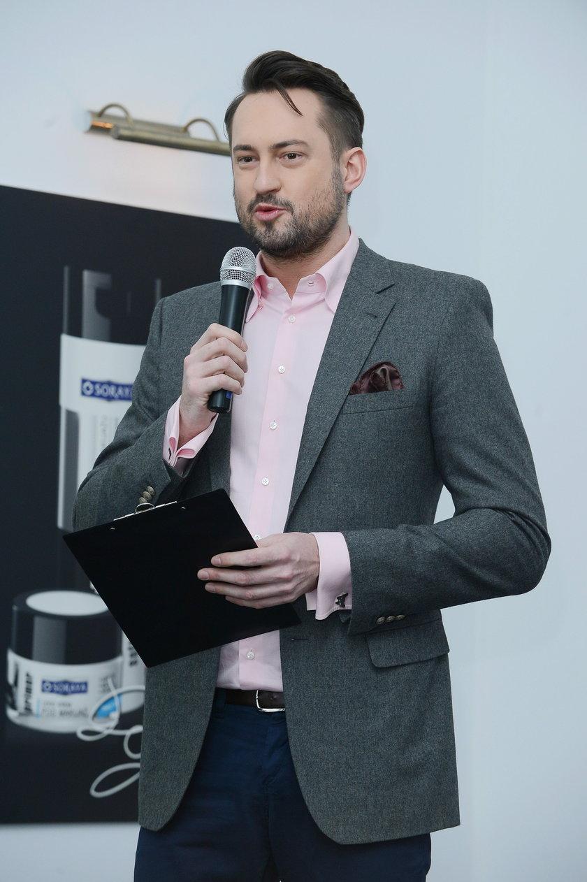 Marcin Prokop z mikrofonem
