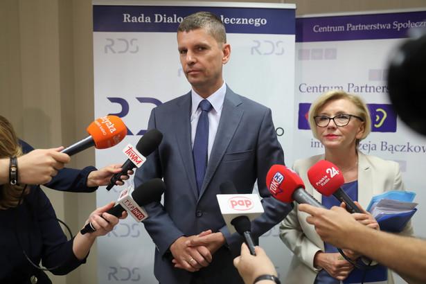 minister edukacji narodowej Dariusz Piontkowski w Centrum Partnerstwa Społecznego