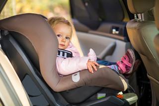 Dziecko w taksówce ma prawo podróżować bez fotelika