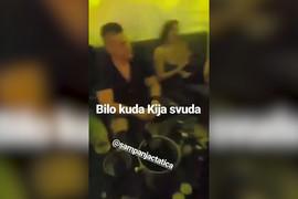 IZVEO JE U PROVOD Sloba u klubu sa NOVOM DEVOJKOM, a onda je počela Kijina pesma (VIDEO)